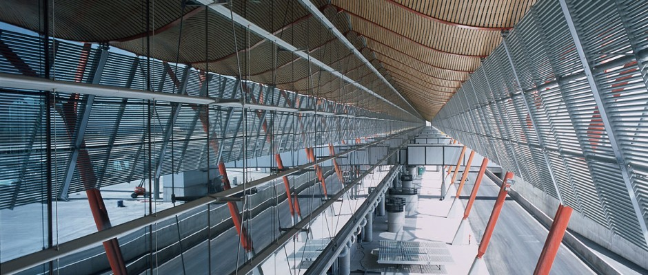 Folcr t4 barajas for Oficinas aena madrid